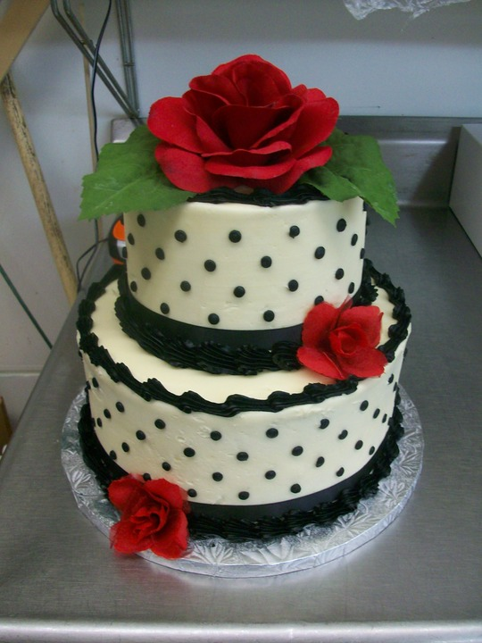 2 Tier With Roses Patti Kake 169 Wilcon Design